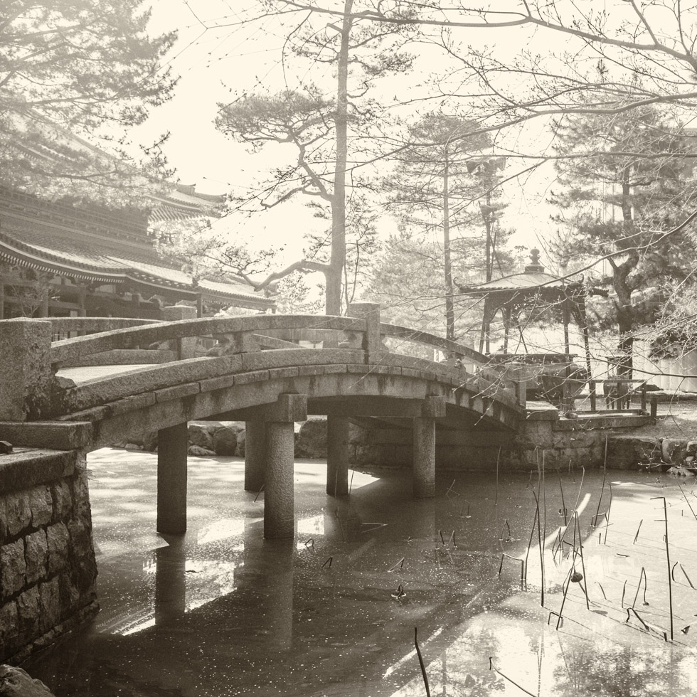 Footbridge, Chion-in Temple, Kyoto, Japan